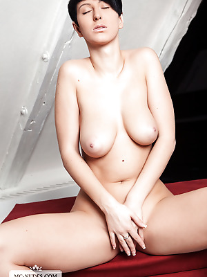 MC-Nudes  Emylia  Babes, Boobs, Breasts, Tits, Beautiful, Extrem, Erotic, Softcore, Funny, Legs, Striptease, Solo