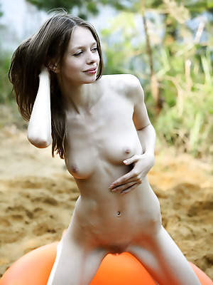 avErotica  Kylie  Solo, Amateur, Babes, Erotic, Outdoor, Teens, Young, Skinny
